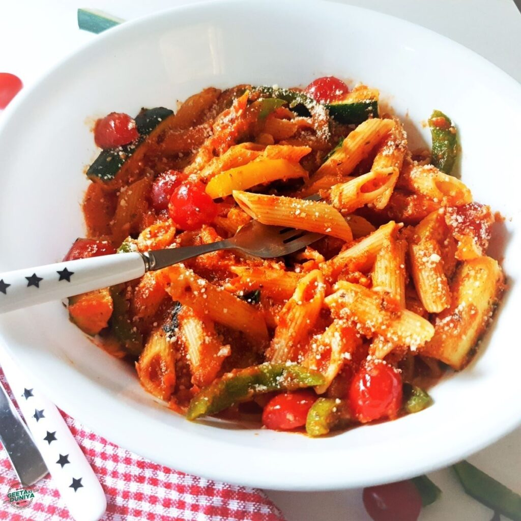 Penne-Pasta-with-red-sauce